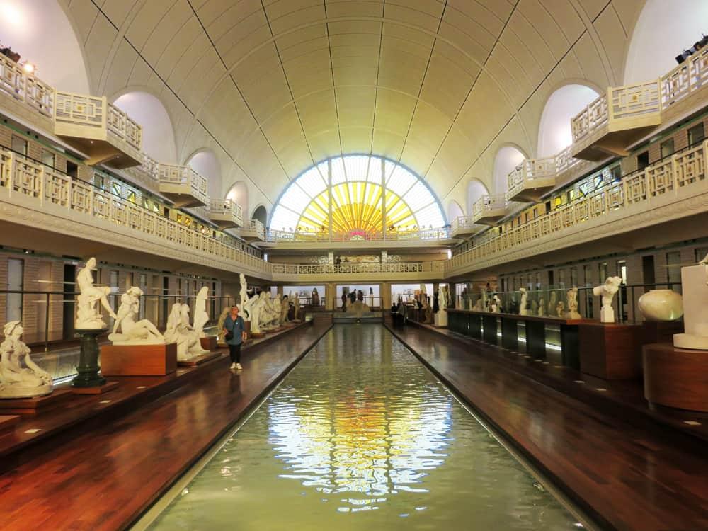 Que voir que faire depuis la gare de Lille : musée La Piscine à Roubaix © voyagerentrain.fr