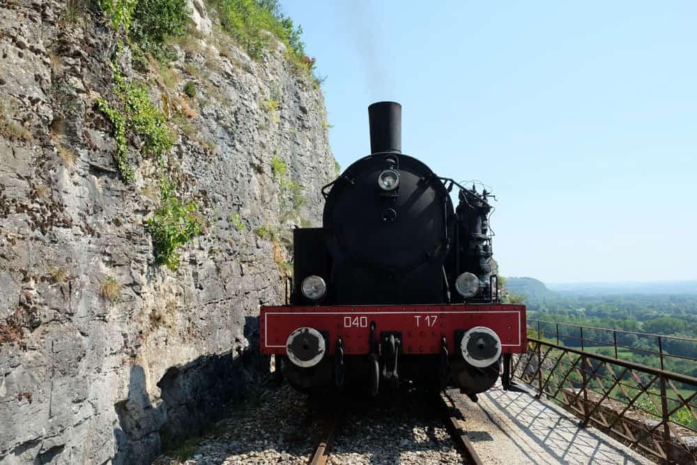 Le train à vapeur de Martel : locomotive de 1927 © voyagerentrain.fr