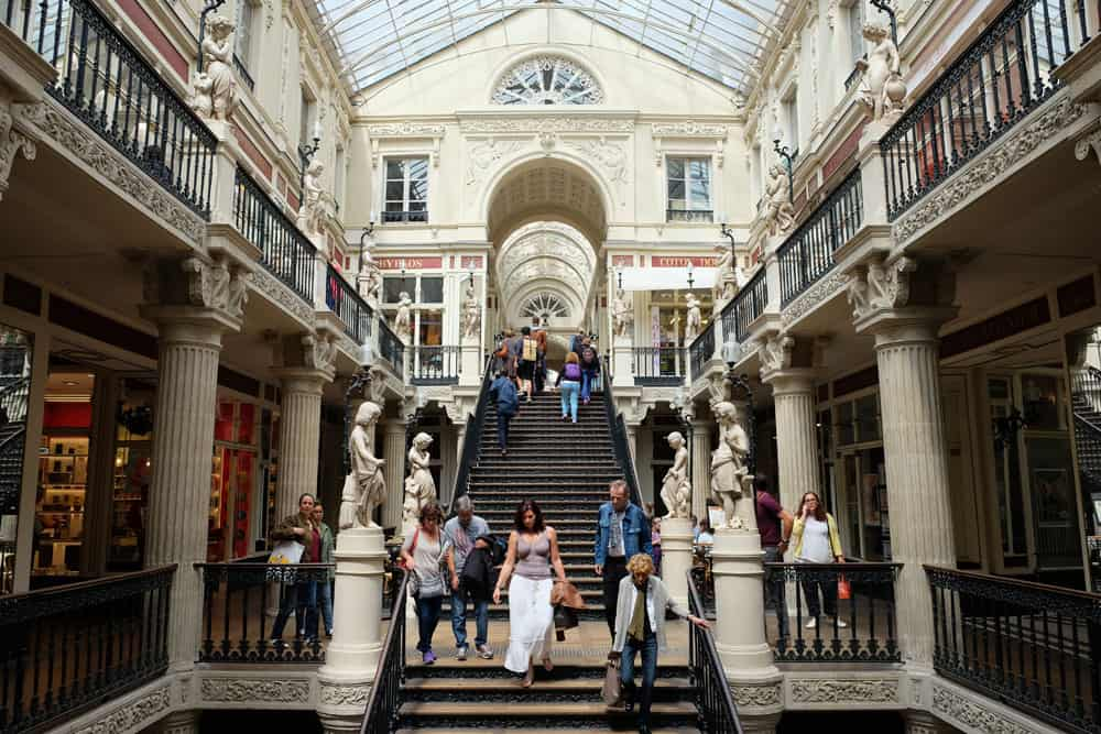 Que voir que faire depuis la gare de Nantes : le passage Pommeraye © voyagerentrain.fr